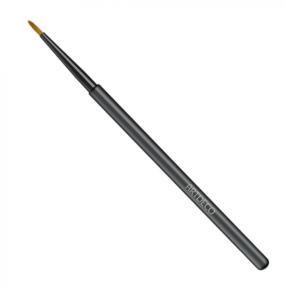 eyeliner with brush